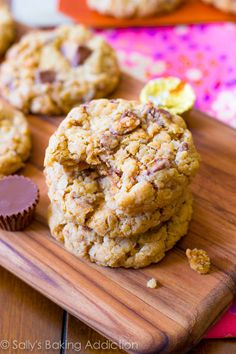 A chewy, soft-baked peanut butter oatmeal cookie exploding with Reese's peanut butter cups. No mixer, no dough-chilling, so easy!