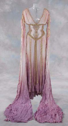 Aleera Dracula's Bride - Van Helsing (2004) #CostumeDesign: Gabriella Pescucci & Carlo Poggiolo
