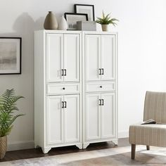 Bring a lively chic environment to your dwelling with the addition of this magnificently designed CROSLEY FURNITURE Tara Distressed White Pantry Set. Wood Kitchen Pantry, Stand Alone Kitchen Pantry, Kitchen Pantry Storage Cabinet, Low Cabinet, Pantry Cabinets, Kitchen Nook, Kitchen Ideas, Kitchen Design, Pantry Cabinet Free Standing