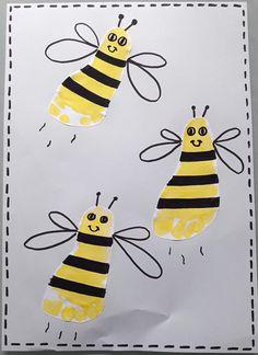 Bees in footprint - Wood Decora la Maison Diy For Kids, Crafts For Kids, Diy Crafts, Diy Spring, M And S Home, School Decorations, Infant Activities, Toddler Crafts, Footprint