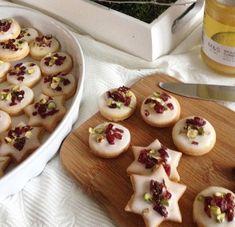 lemon3 Xmas Cookies, Pudding, Desserts, Food, Tailgate Desserts, Deserts, Christmas Biscuits, Custard Pudding, Essen