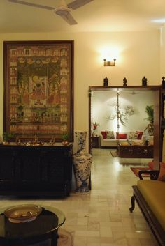 House Tour: A Mix of Old and New in India