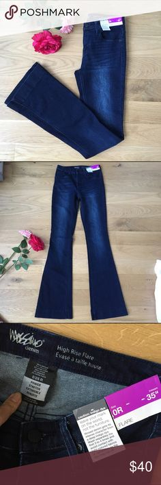 "🆕Brand New Mossimo high rise flare Jean NWT 35"" inseam. Flare leg. Deep indigo dye.  Power stretch. Super sexy and so stylish for this season. Rise 9"". Flare opening at very bottom is 9.5"". Mossimo Supply Co Jeans Flare & Wide Leg"