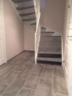 Bilderesultat for hvitmalt trapp inne