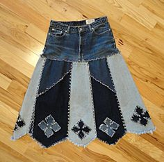 Made to order ankle length long denim skirt with a Western flare. The panels alternate light and dark upcycled denim with a contrasting diamond Artisanats Denim, Denim Skirt, Sewing Clothes, Diy Clothes, Alter Pullover, Vetements Clothing, Denim And Diamonds, Diy Vetement, Denim Crafts