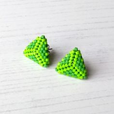Green Earrings, Stud Earrings, Ancient Egyptian Artifacts, Resin Glue, Native American Beadwork, Beading Techniques, Triangle Earrings, Beautiful Gifts, Needle And Thread