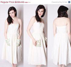 On SALE 60% Off - 40s Vintage White Alternative Wedding Dress with Rainbow Embroidered Pockets / Tea Length Wedding Dress / 40s White Weddin