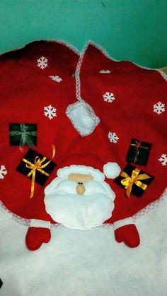 Christmas Decorations, Christmas Tree, Holiday Decor, Tree Skirts, Diy And Crafts, Christmas Things, Yule Decorations, Holiday Ornaments, Christmas Decor