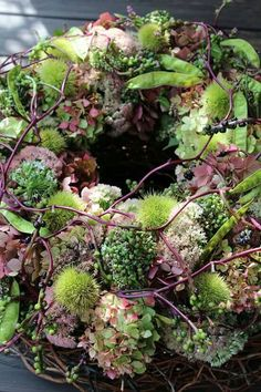 Hottest Pictures spring Funeral Flowers Thoughts Regardless of whether that you are arranging or maybe going to, funerals will always be a somber and often dem. Wreaths And Garlands, Flower Garlands, Flower Decorations, Deco Floral, Arte Floral, Fall Flowers, Dried Flowers, Wreaths For Front Door, Door Wreaths
