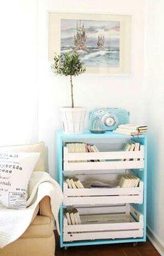 Super sympa l'idée des cagettes en meubles... ...