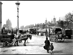 The Tower of London. 1928 London Pride, South London, Vintage London, Old London, London Museums, Tower Of London, Horse Drawn, Tower Bridge, The Outsiders
