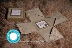 """#explosionsbox #papierschneider #stampinup #zuckerstangenzauber #stempelstelle #basteln #weihnachten #christmas Hier habe ich eine Youtube-Anleitung für eine Explosionsbox in der Größe 10 x 10 x 10 cm gemacht. Verwendet habe ich den Papierschneider von Stampin Up und natürlich das Designerpapier """"Zuckerstangenzauber"""" mein Favorit! Das Stempelset heiß Drauf und dran und ist  natürlich ebenfalls von Stampin Up!"""
