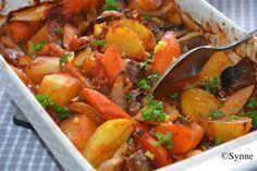 Dette er mat som jeg elsker å lage, her kan du for Norwegian Food, Norwegian Recipes, Dinner Is Served, Main Meals, Pot Roast, Curry, Food Porn, Brunch, Food And Drink