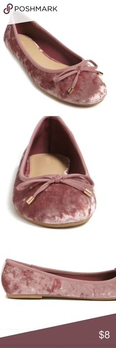 """NWT Pink ballet Flats NWT ladies or big girl size 7 velvet flats featuring a round toe, bow front design, high-polish aglets, and a low heel. - Padded insole, textured outsole - Upper: 95% polyester, 5% spandex - Outsole: 58% rayon, 28% cotton, 14% polyester  Size + Fit - Heel height: 0.25""""  - Shaft height: 2""""  - Platform: 0.125"""" Forever 21 Shoes Flats & Loafers #velvetshoeshighheels"""