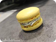 Macarons Bergamot  | Recipes Vero Pastry Art, Nutrition, Eat Dessert First, Bergamot, Bagel, Macarons, Healthy Recipes, Bread, Cookies