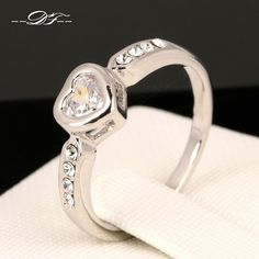 Love Heart Crystal Wedding Finger Ring Platinum Plated Fashion Jewelry For Women