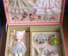 Cats Toys Ideas - Likes Tiny Dolls, Old Dolls, Antique Dolls, Vintage Dolls, Vintage Sewing, Fabric Dolls, Paper Dolls, Ideal Toys, Doll Display