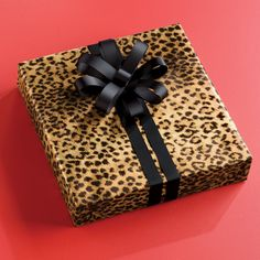 Leopard, love this paper, if I could have it my way everyone would get their presents like this! And like it!