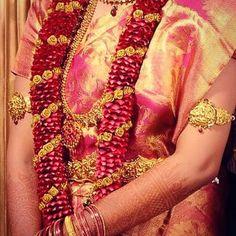 #tamilculture #tamilbride #tamilgroom #frenchtamils #germantamils #uktamils #canadiantamils #swisstamil #hinduwedding #tamil #saree #indianwear #tamilbeauty #tamilwedding #brideandgroom #tamilbrideandgroom #indianwedding #wedding #tamilweddingideas #kalyanam #tamilkalyanam #kalyaanamaalai
