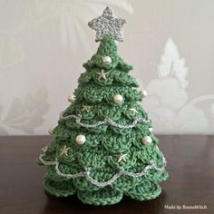 DIY Crocheted Christmas Tree By BautaWitch - Free Crochet Pattern - Pattern In Swedish - See https://translate.google.com/translate?sl=auto&tl=en&js=y&prev=_t&hl=en&ie=UTF-8&u=http%3A%2F%2Fbautawitch.se%2F2013%2F11%2F25%2Fdiy-virkad-julgran%2F For English Pattern Translation - (bautawitch)