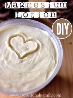 DIY – Masque :    Description    Recettes de soin de peau de DIY: Comment faire la lotion de magnésium qui émulsionne bien et ne se séparera pas. Magnésium     - #Masque https://madame.tn/diy/masque/diy-masque-recettes-de-soins-de-la-peau-bricolage-comment-faire-de-la-lotion-de-magnesium-qui-emulsionne-bien-et-wo/