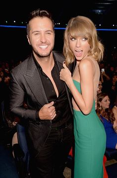 Taylor Swift + Luke Bryan at the AMAs