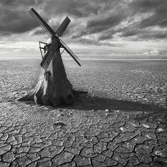 8 | Surreal Landscape by Dariusz Klimczak