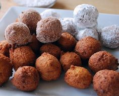 """""""GF donut holes using Pamela's baking mix. Instead of frying, we baked in a cake pop pan for min. Would add a little honey or agave next time. Gluten Free Donuts, Gluten Free Sweets, Gluten Free Baking, Gluten Free Recipes, Foods With Gluten, Sans Gluten, Donut Hole Recipe, Baked Pancakes, Donut Holes"""