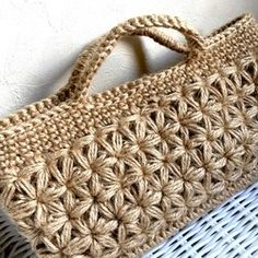 Star Stitch Crochet Tote Straw Bag Boho Jewelry Bookmarks Bags Yarns Projects To Try Totes Crochet Clutch, Crochet Handbags, Crochet Purses, Diy Crafts Crochet, Crochet Circles, Art Bag, Yukata, Crochet Basics, Knitted Bags