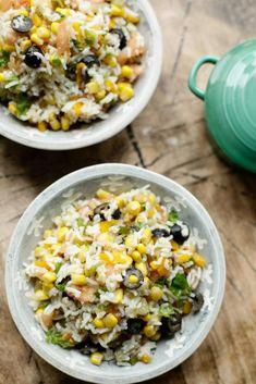 Marokkaanse rijstsalade | Kookmutsjes Lunch Restaurants, Rice Salad, Middle Eastern Recipes, Diy Food, Summer Recipes, Meal Prep, Vegetarian Recipes, Salads, Good Food