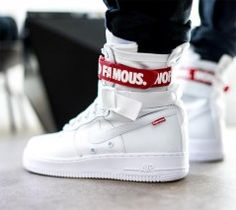 Supreme x Nike Special Field Air Force 1 - Sneaker Style Sneakers Fashion, Fashion Shoes, Mens Fashion, Sneakers Style, White Sneakers, Sneakers Nike, Nike Air Force, Nike Sf Af1, Skate Wear