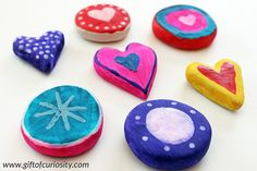 Painted clay hearts make a wonderful Valentine's Day craft. These would be perfect to give away at a class Valentines party! Porcelain Clay, Cold Porcelain, Painted Porcelain, Leaf Cutout, Trending Crafts, Valentine Day Crafts, Valentines, Clay Ornaments, Clay Design