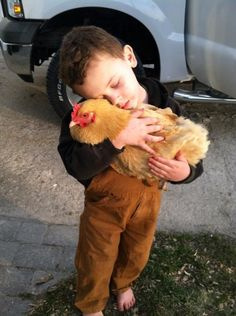 This little guy can't imagine a better companion. | Animals That Have Found Their Other Half