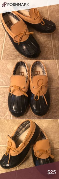 Rain shoes Barely worn. Good condition. Shoes