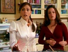 Phoebe Charmed, Piper Charmed, Serie Charmed, Charmed Tv Show, Holly Marie Combs, Season 4, Women Empowerment, Favorite Tv Shows, Cute Outfits