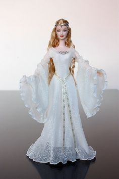 Galadriel Barbie Doll- Lord of the Rings 2004