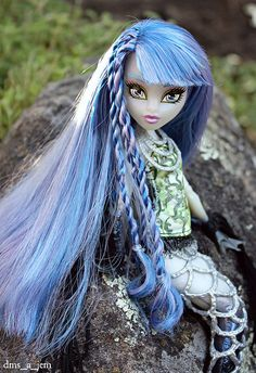 Sirena by dms_a_jem Custom Monster High Dolls, Monster Dolls, Monster High Repaint, Custom Dolls, Monster Pictures, Zombie Monster, Love Monster, Teddy Bear Toys, Mermaid Tails