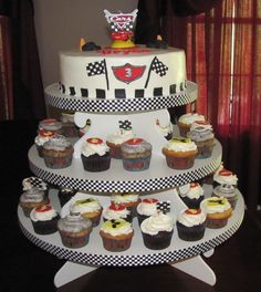 Car cupcake cake...