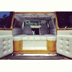 Vintage van interior, gold and white, boogie van I dont like the yellow carpet but this is nice