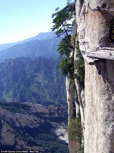 Not for the faint of heart. The walkway is only a foot wide and has been built clinging to the vertical cliff. To avoid precarious congestion the Chang Kong route is strictly one way.