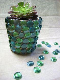 Un cache pot originale fai da te! Ecco 20 idee creative... Un Cache pot originale fai da te. Riciclare un barattolo, un vasetto di vetro, un vaso di terracotta... e trasformatelo in un oggetto unico! Ecco 20 idee creative da cui trarre ispirazione... Buona...