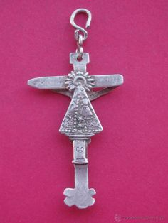 Cruz Medalla Siglo XVII - XVIII en Plata. Virgen del Pilar Cristo de Burgos. - Foto 1