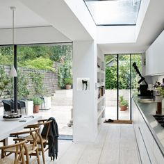 Terrace House ideas Victorian terrace in east London Kitchen-diner ← Back to Article / Find more // House Design, House, Home, House Styles, New Homes, Kitchen Diner, Modern Kitchen Design, Victorian Terrace, Kitchen Extension