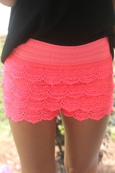 She's So Pretty Lace Shorts: Neon Pink - Pepino Ladies Fashionista Short Outfits, Summer Outfits, Cute Outfits, Summer Shorts, I Love Fashion, Passion For Fashion, Pink Lace Shorts, Neon Shorts, Coral Lace