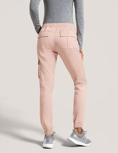 Jogger Pant in Blushing Pink is a contemporary addition to women's medical scrub outfits. Shop Jaanuu for scrubs, lab coats and other medical apparel. Jogger Pants, Joggers, Sweatpants, Women's Pants, Mode Adidas, Scrubs Outfit, Cute Scrubs, Greys Anatomy Scrubs, Lab Coats