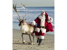 weihnachtsmann am strand - Bing images Tropical Christmas, Beach Christmas, Coastal Christmas, Father Christmas, Christmas In July, Christmas Art, Winter Christmas, Vintage Christmas, Christmas Tables