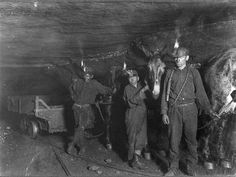 The Coal Mining Massacre America Forgot The mountains of southern West Virginia are riddled with coal—and bullets Little Big Planet, Old Photos, Vintage Photos, Vintage Art, West Virginia History, Lewis Hine, Coal Miners, Labor Law, American Children