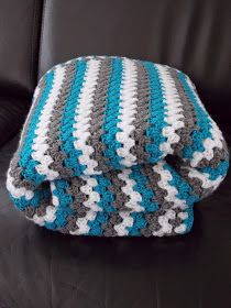 Granny stripe with just three colors Granny Stripes, Granny Stripe Blanket, Crochet Ripple Blanket, Crochet Baby Blanket Free Pattern, Afghan Crochet Patterns, Crochet Blankets, Crochet Gifts, Knit Crochet, Baby Afghans