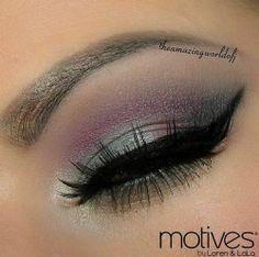 Hot Eye Make up - I do Make Up in the Car