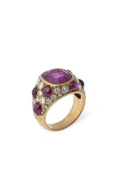Gold, ruby and diamond ring by Suzanne Belperron c.1945 | Centre de documentation des musées - Les Arts Décoratifs